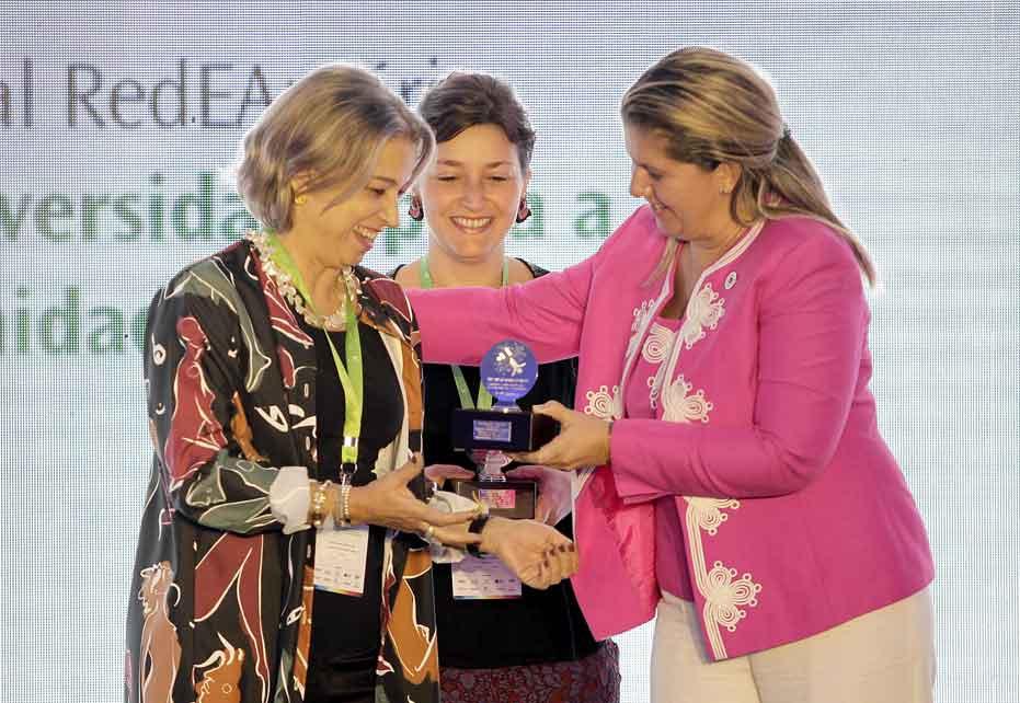 Smurfit Kappa wins top Latin American CSR award for 'Community Transformation'